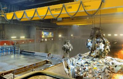 Process cranes for recycling & bulk material
